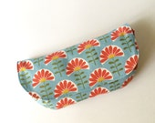 Sunglasses case. Spectacles case, Sunnies pouch. 100% certified organic cotton fabric. Monaluna Meadow. Folk Flowers. Handmade.