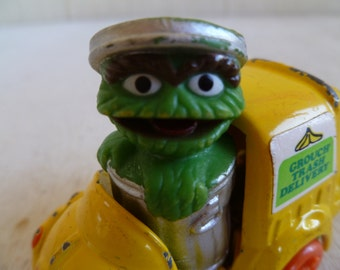 Oscar the Grouch Metal Garbage Truck 1982   Cake Topper