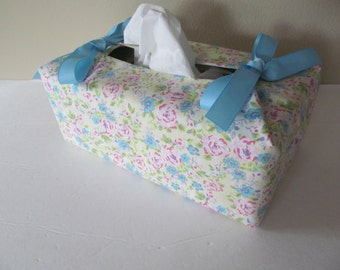 Tissue Box Cover/Pink And Blue Flower