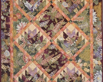 Flower Log Cabin Wall Quilt, 5001-0, Pieced Wall Quilt, floral Wall hanging, floral Table Quilt