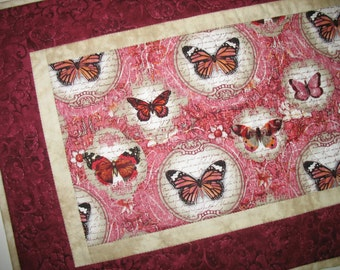 Butterfly Table Runner,  Monarch Butterfly, quilted
