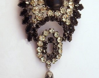 Vintage black and clear rhinestone brooch with tear drop