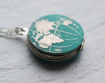 World Map Locket... Vintage Silver Globe Traveller