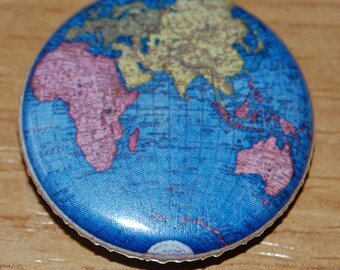 Vintage Globe Button Badge 25mm / 1 inch Retro