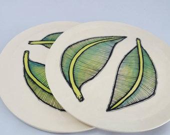 Leaf pattern plate