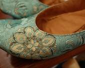 US 10 / Euro 40.5 / UK 8.5, Aqua Silk Slippers #580