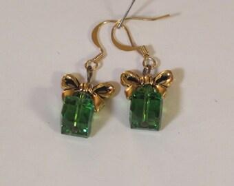 Earrings - Pierced - Goldtone Bow - Crystal  Green Cubes Swarovski - Goldtone Fish Wires - Goldtone Bow