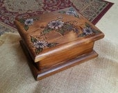 Woodburned pine box with daisies