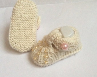 PDF Pearly Princess Baby Shoes Knitting Pattern