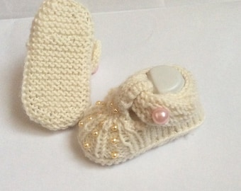 Guardian Knitting Pattern Baby Shoes