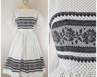 Vintage 1950s Dress / Black and White Polka Dots / Cotton / Lacey Print / XS Small