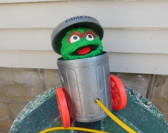 Vintage Fisher Price Sesame Street Oscar The Grouch Pop Up Pull Toy