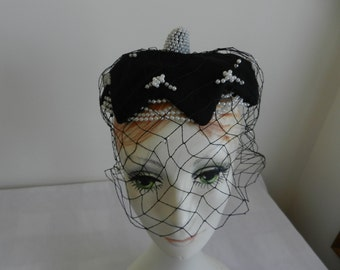 Bes Ben Black Hat with Pearls and Veil