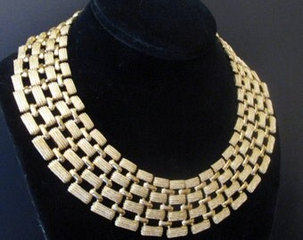 Napier Gold Tone Textured Collar Cleopatra Necklace Signed