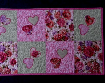 Hearts and flowers quilted table runner