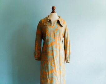 Vintage shift dress 60s / pastel yellow blue golden thread / floral / op art mod / hand made / midi below knee / medium