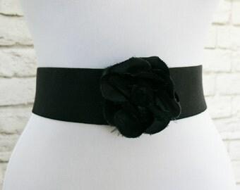 Vintage 80s Black Wide Stretch Elastic Flower Pom Belt 26-34 S M L