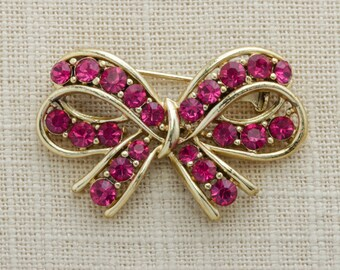 Hot Pink & Gold Bow Brooch | Vintage Pin Shiny Gold Metallic Jewelry | Magenta Fuchsia Pink Rhinestone Crystals | Costume Jewellery 16A
