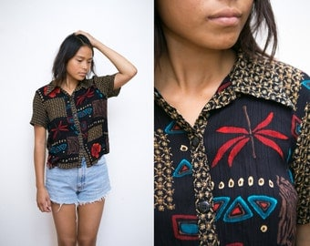Tribal Print Button Up / Vintage Ethnic Shirt / Crop Top Batik Button Up Shirt / Short Sleeve Collared Shirt / Abstract Print Blouse Top