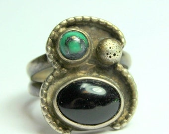 MOVING SALE Half Off Beautiful Vintage Native American Navajo  925 Sterling Silver Turquoise and Onyx Ring