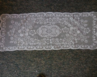 Vintage White/Off White Dresser Scarf/Bureau Doily Furniture Protector Flowers Long 1950s to 1960s Thin Floral Dainty