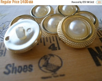 "Vintage Buttons Faux Pearl & Gold Color Jacket Plastic Shank 7 each 3/4"" (30L 19MM) pearly white pearl shape sewing crafts scrapbooking"