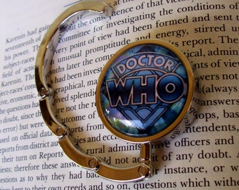 Doctor Who Purse Hanger (H500) - Doctor Who Logo Under Glass - Silver Plated Hardware