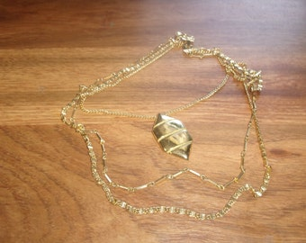 vintage necklace triple strand goldtone chain pendant