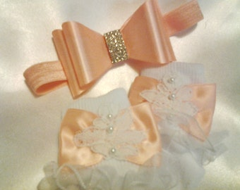 Newborn Girls Peach Bow Hairband and Lace Ruffled Socks