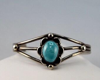 Vintage Sterling Silver Native American Turquoise Cabochon Flower Design 3 Band Cuff Bracelet