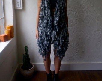 Vintage Shaggy Sweater Vest XS S M Black and White Fringe Boho Hippie Gypsy Club Kid Grunge 80s 90s Bohemian Mod Hipster Folk Festival Tunic