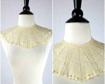 Vintage crochet bib collar / 70s knit lace crocheted collar accessory