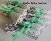 Jewelry Roll Bridesmaid Gift - Personalized Bridesmaid Jewelry Roll in Chevron with your choice of monogram colors