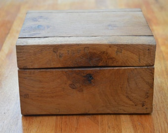 Little oak box