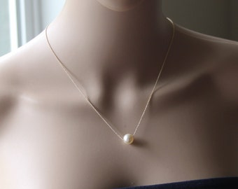 Large pearl floating necklace - 14K Gold necklace - Gold pearl necklace - Bridesmaid necklace -  Bridesmaids gifts- Wedding pearl necklace