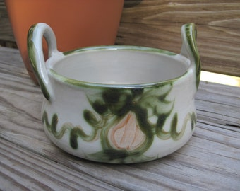 Vintage Louisville Stoneware Pottery 2 Handle Bowl Casserole Soup Tureen Pear Pattern Kentucky USA