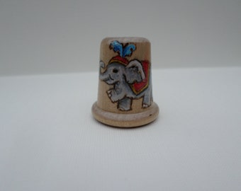 elephant wood thimble, circus animal thimble, wood burning, pyrography no51