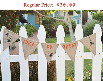 Halloween Decoration, Halloween Banner, Halloween Decor, Trick or Treat sign, Halloween Photo Backdrop