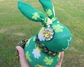 Shamrock day beer bunny sock bunny beer mugs plush rabbit rag doll sock animal green and yellow St. Patrick's Day
