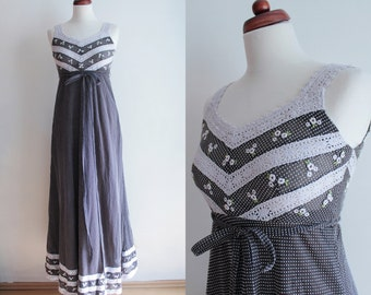 Vintage Maxi Dress with Polka Dots and Lace Trim - Size XS