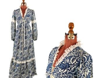 Vintage 1970's Blue + White Leaf Floral Lace Novelty Print Trim Renaissance Hippie Festival Dress S