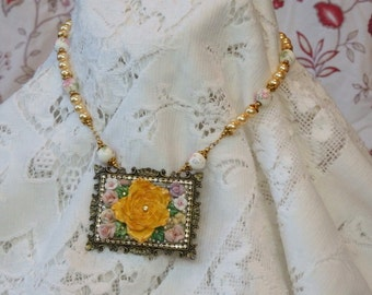 Frame of Flowers Necklace and Earrings L889