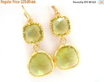 SALE Peridot Earrings, Green Earrings, Apple Green, Gold Earrings, Glass, Wedding, Bridesmaid Earrings, Bridal Earrings Jewelry, Bridesmaid