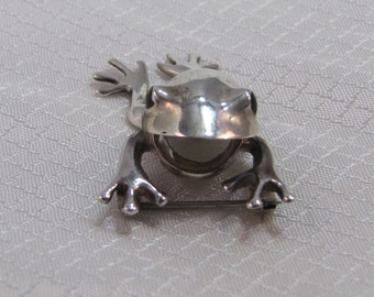 Vintage Articulating Sterling Frog Brooch with Onyx Eyes