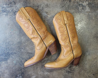 6 1/2 AA / Vintage FRYE Boots / Honey Brown Leather Cowboy Boots / Women's Shoes