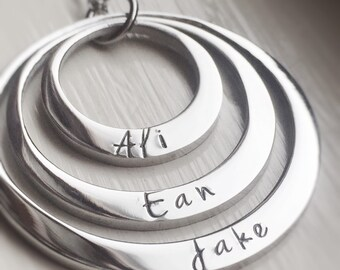 Personalized Mothers Necklace Three Name Modern Stainless Steel Custom Kids Triple Engraved Jewelry