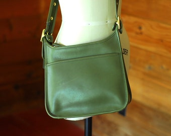 vintage COACH green leather Legacy Zip bag