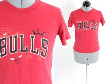 SALE Vintage Retro Distressed Chicago Bulls Shirt