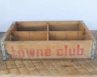 Vintage Towne Club Soda Beverages Crate Box