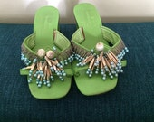 Vintage 60s Beaded Sandals Shoes Rockabilly Hawaiian Luau Tiki Oasis Mod Mad Men Style Party Slides Mules Green Chunky Heel 1960s Size 6.5 7